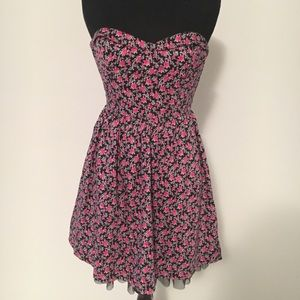 Black Poppy strapless floral dress